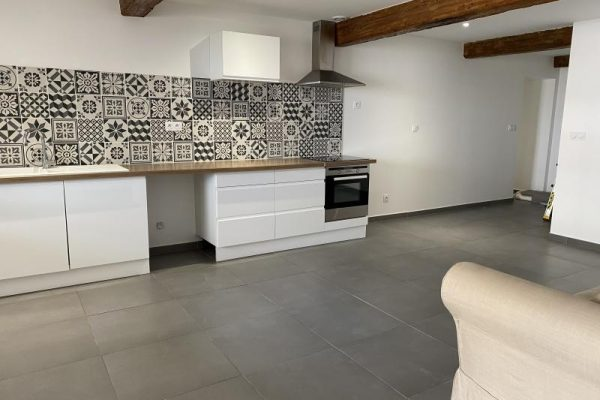 APPARTEMENT RENOVE 5 pièces – 93.18 m²