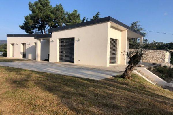 MAISON 6 pièces – 200 m²